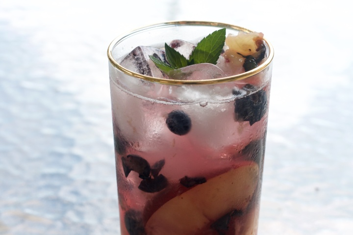 Blueberry Peach Collins