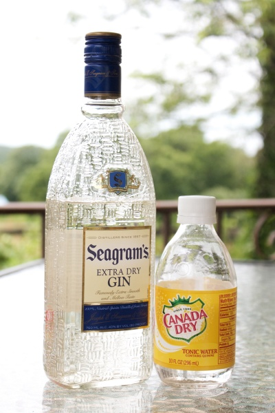 Seagram's Gin and Canada Dry Tonic
